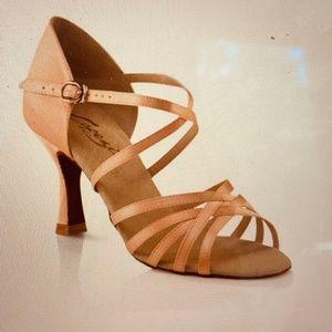 "Capezio  ""Rosa"" 2.5"" Latin/Rhythm Ballroom Shoes"